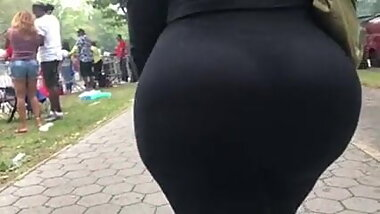 Phat Cuban ass in spandex